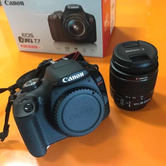 Câmera Canon T7 Nova.