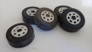 150 Rodas Plásticas 5 Cm Para Carretas E Ônibus Frete Grátis