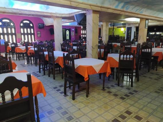 Restaurant En Venta En El Centro De Caracas / Lv 04122104403