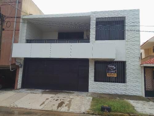 Casa Residencial En Renta, Col. Centro, Coatzacoalcos, Ver.