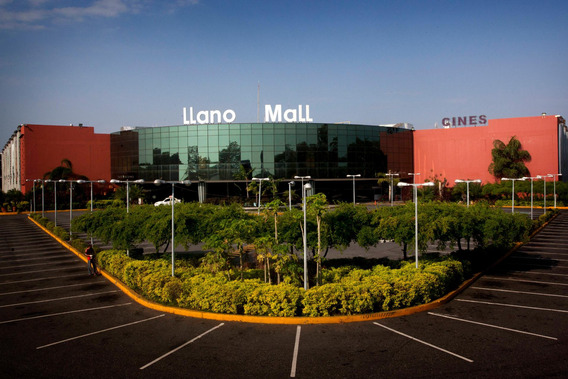 Comercial En Alquiler Centro Acarigua 19-1325rhb