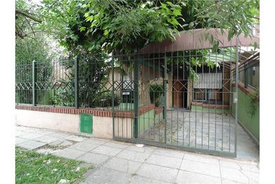 Casa Americana De 4 Ambientes Con Parque Y Garage