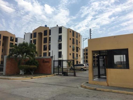 Apartamento En Paraparal Foa-925