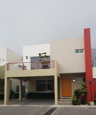 Hermosa Casa En Venta Muy Cerca De Tecnológico Y Asunción