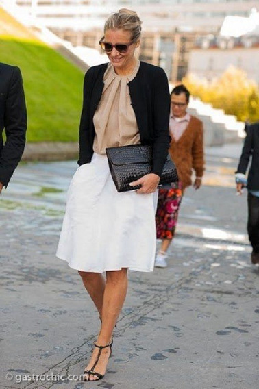 Falda Blanca Con Flores Midi Amplia Talla Mediana