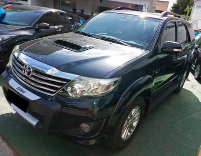 Toyota Hilux Sw4 3.0 Srv 7l 4x4 Aut. 5p 171 Hp