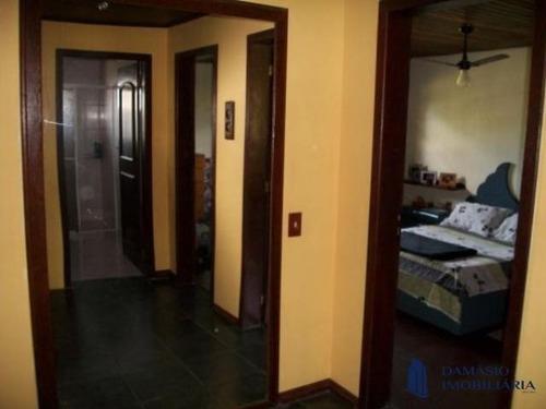 Casa De Alto Padrão No Rio Vermelho Com Área Total 1.600 M² - Vcr0135