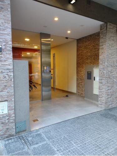 Departamento 3 Ambientes Con Patio, Cochera Y Baul Almagro