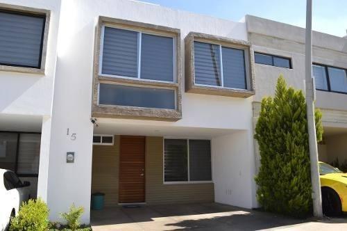 Casa En Coto Con Alberca - Altavista Residencial