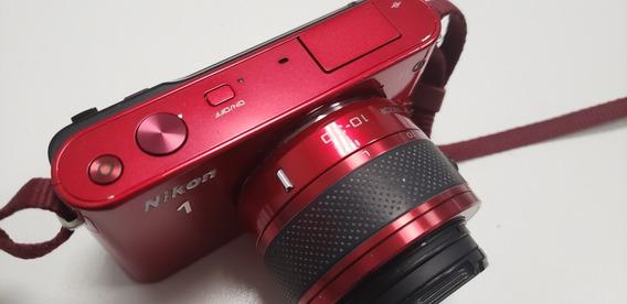 Camera Nikon J1 Vermelha