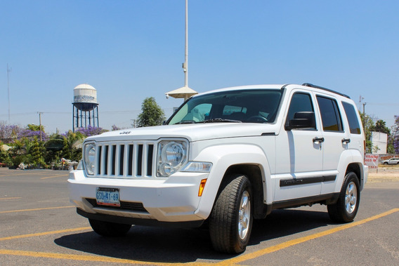 A La Venta Jeep Liberty Sport 4x2