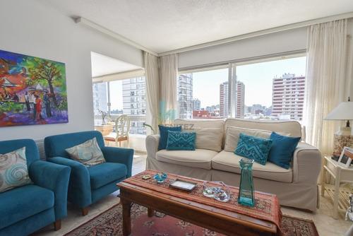 Apartamento En Venta De 2 Dormitorios + 2 Baños . Reciclado Con Garage- Ref: 216