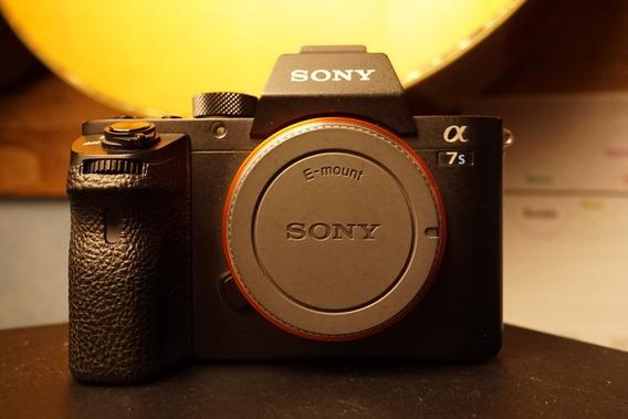 Câmera Sony A7s2 A7sii A7s 2 A7s Ll Com Carregador E Duas Ba