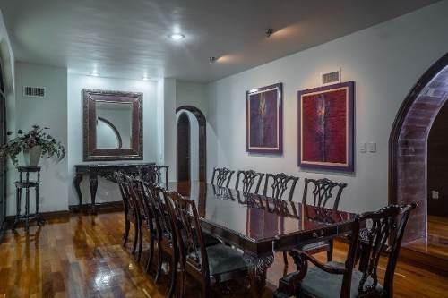 Elegante Residencia En El Barrio De La Conchita, Coyoacan