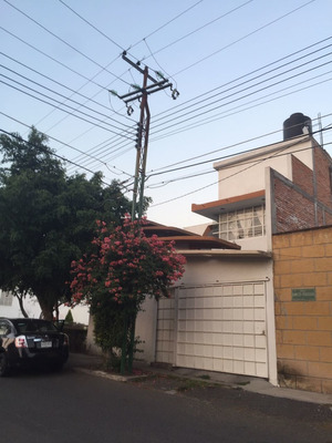 Hermosa Casa Amplia Y Centrica Ubicada Cerca De Parque Queretaro 2000