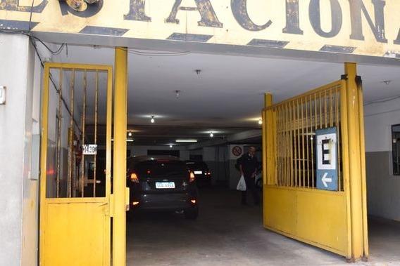 Alquilo Cochera Fija En Parking Victoria Plaza.