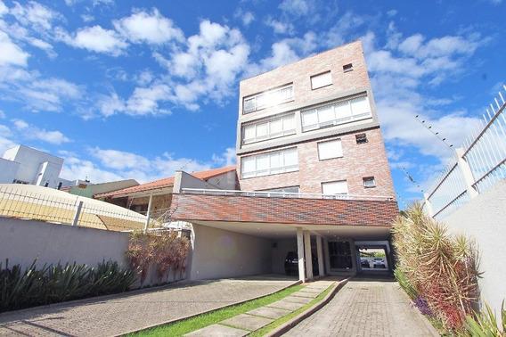 Apartamento Em Camaquã Com 3 Dormitórios - Bt9832