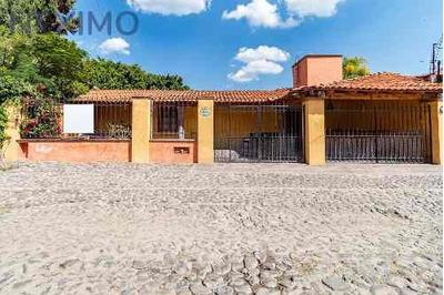 Casa En Venta En Colonia Jurica, Querétaro