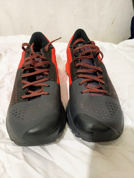Under Armour Charged Michelin Tenis