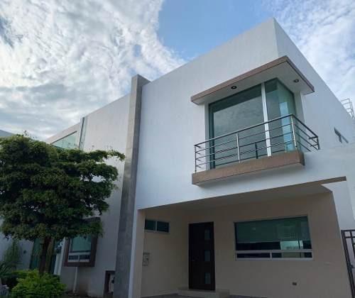 Excelente Residencia En Coto 1 De Solares En Venta Guadalajara