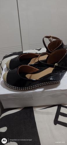 Imagem 1 de 4 de Sapato