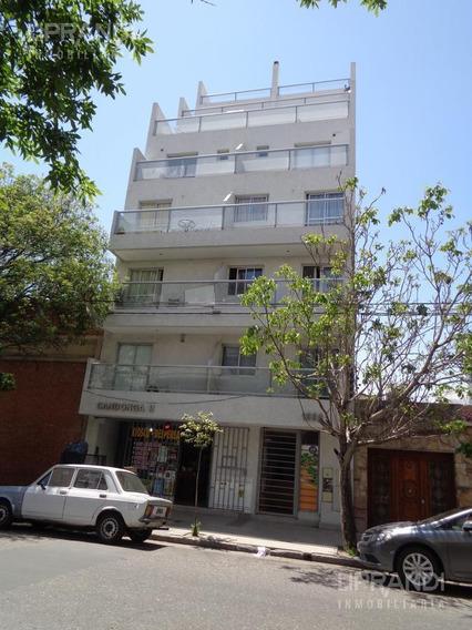 2 Dormitorios - Balcon - Contrafrente
