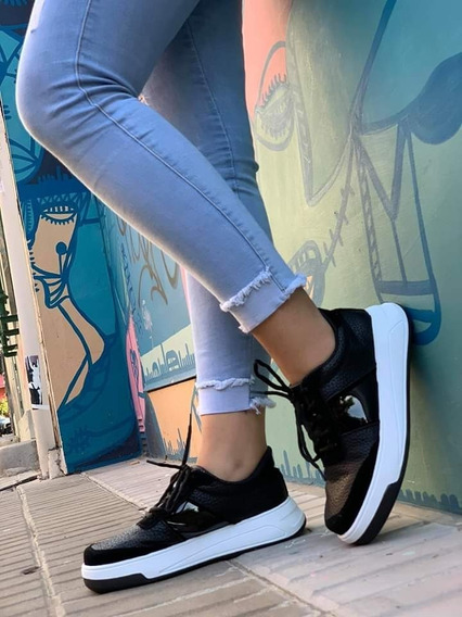 Zapatillas Lisas Cuero Con Charol Brilloso Plataforma Baja