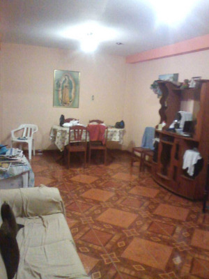 Casa Venta A 1 Cuadra De La Estacion Bayovar Del Tren S.j.l.