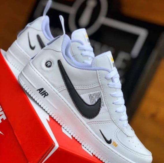 Tênis Nike Air Force