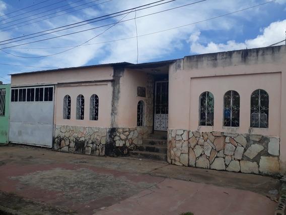 Se Vende Casa En Urb. La Llovizna - Ud145
