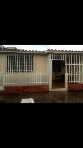 Casa En Venta Buena Ubicación Económica 04243509446