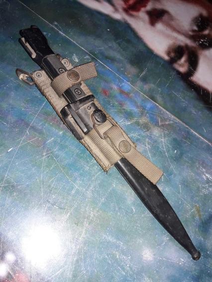 Sable Bayoneta Fal
