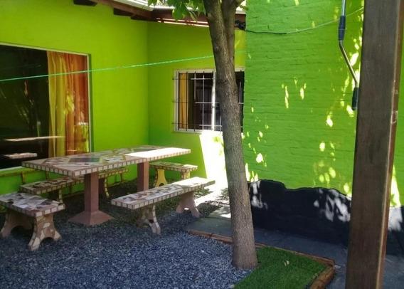 Los Paraisos N°9900, Villa Udaondo, Ituzaingo, Buenos Aires