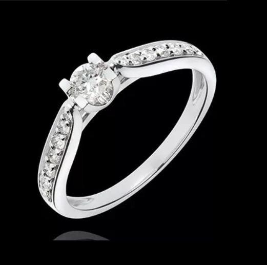 Anel Solitário De Noivado De Ouro 18k/750 E Diamantes
