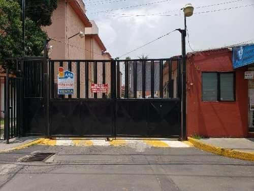 Departamento En Venta En Lomas Estrella, Iztapalapa, Distrito Federal
