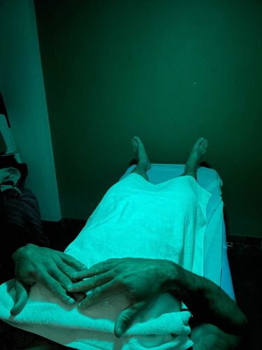 Imagem 1 de 3 de Massoterapeuta Massagista