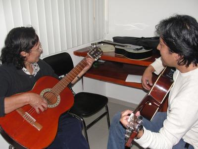 Clases De Guitarra, Bajo, Piano, Canto, Batería Y Percusión.