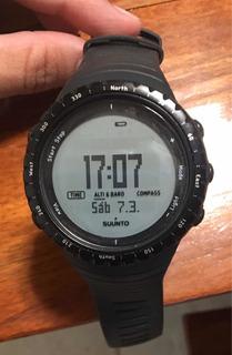 Reloj Suunto Core Regular Black ( Fondo Blanco)