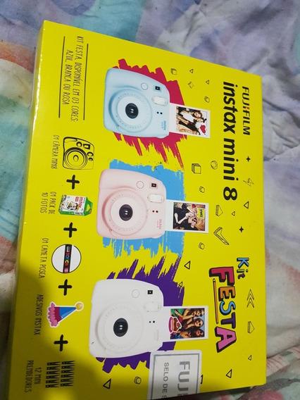 Camera Fujifilm Instax Mini 8 Branca Com Kit Festa