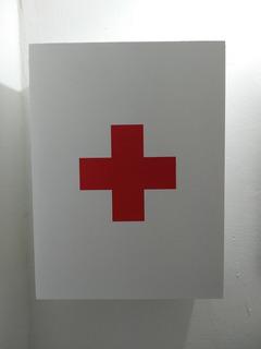 Botiquín Primeros Auxilios Mueble Estante Baño Cruz Roja