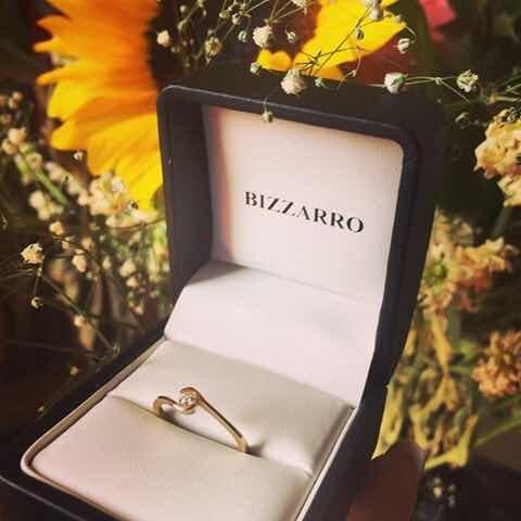 Anillo De Compromiso Oro Con Diamante Bizarro
