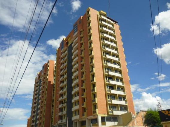 Se Vende Apartamento En El Oeste De Barquisimeto #1920544