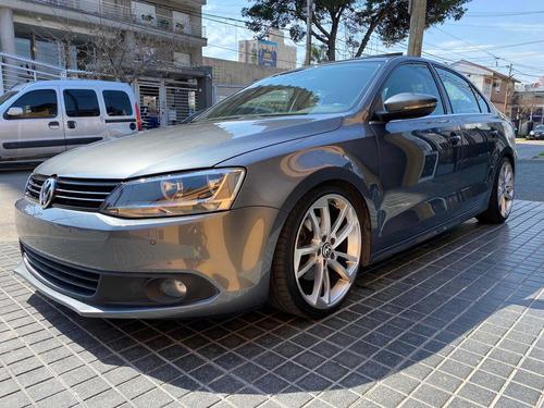 Imagen 1 de 10 de Volkswagen Vento 2013 2.5 Luxury 170cv