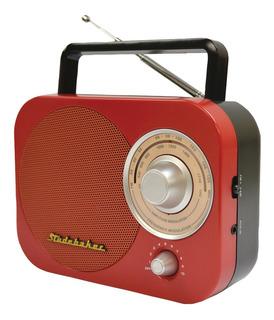 Radio Portátil Studebaker Sb2000rb Con Am/fm Color Rojo