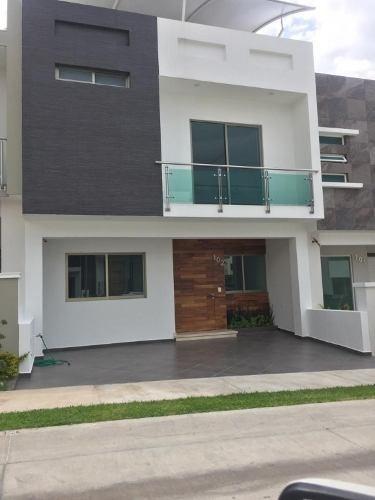 Casa En Venta En Fraccionamiento Residencial La Cima, Zapopan