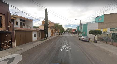 Imagen 1 de 8 de Casa En Guadalajara Jalisco Col San Rafael Clro*