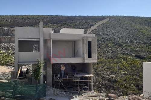 Preventa Monterra : Casa De 3 Niveles Con Vista La Reserva Ecológica. Vigilancia Las 24hrs