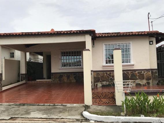 Casa En Alquiler En Chorrera 19-11874 Emb