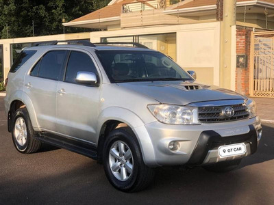 Toyota - Hilux Sw4 Srv 4x4 Diesel 7 Lugares Impecavel