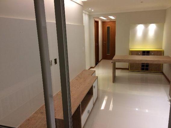 Apartamento Em Piratininga, Niterói/rj De 57m² 2 Quartos À Venda Por R$ 360.000,00 - Ap585527